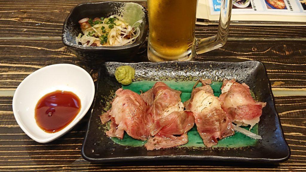 イザカヤラボの彩美牛の炙り寿司