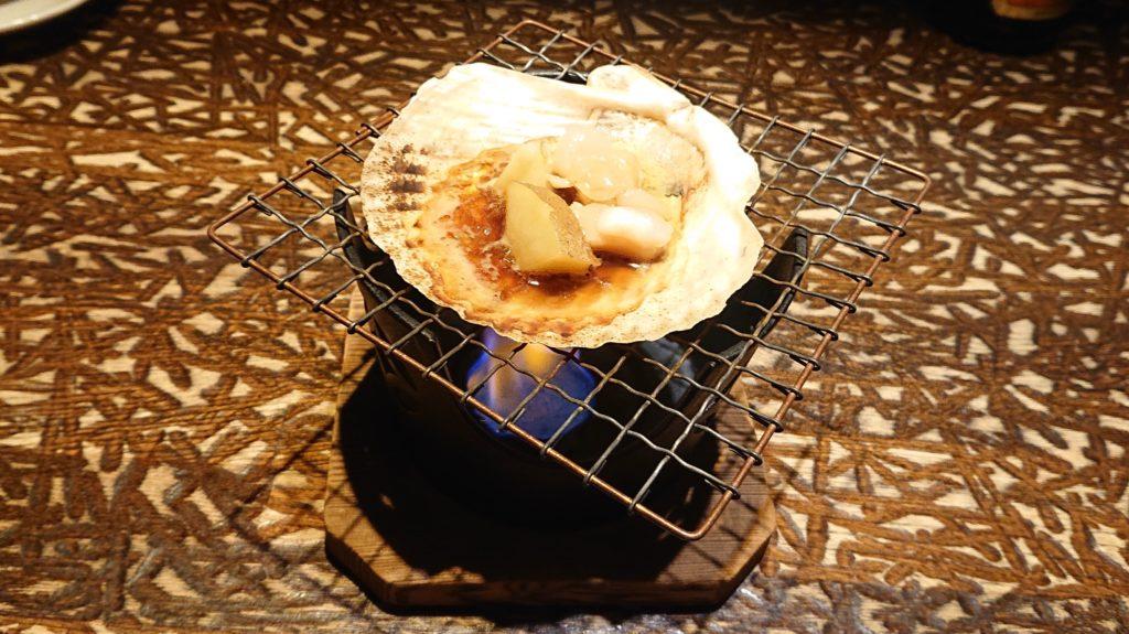 丸海屋パセオ店の噴火湾帆立と道産じゃがいものバター醤油焼き