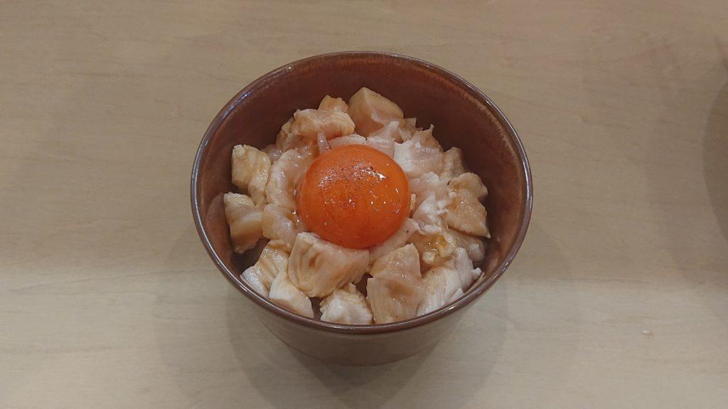 鶏白湯そば燠の知床鶏丼